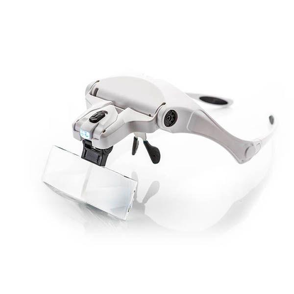 białe okulary powiększające domakijażu permanentnego