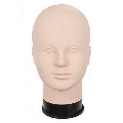 głowa kobiety doćwiczenia mikropigmentacji skóry głowy, włosów nagłowie