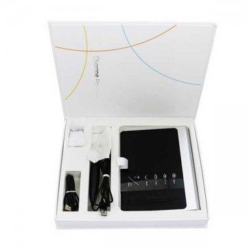czarna maszynka z twarzą domakijażu permanentnego wbiałym pudełku