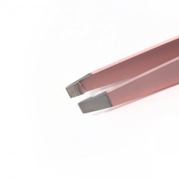 pudrowo-różowa pęseta z ukośną końówką