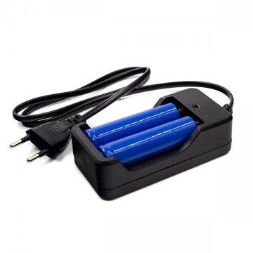 czarna ładowarka nabaterie akumulatory dolatarki czołowej
